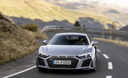 2020 Audi R8 V10 RWD Coupe (Color: Florett Silver) Front Wallpapers 450x275 (2)