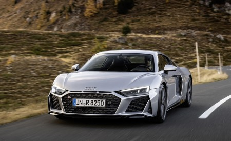 2020 Audi R8 V10 RWD Coupe (Color: Florett Silver) Front Wallpapers 450x275 (5)