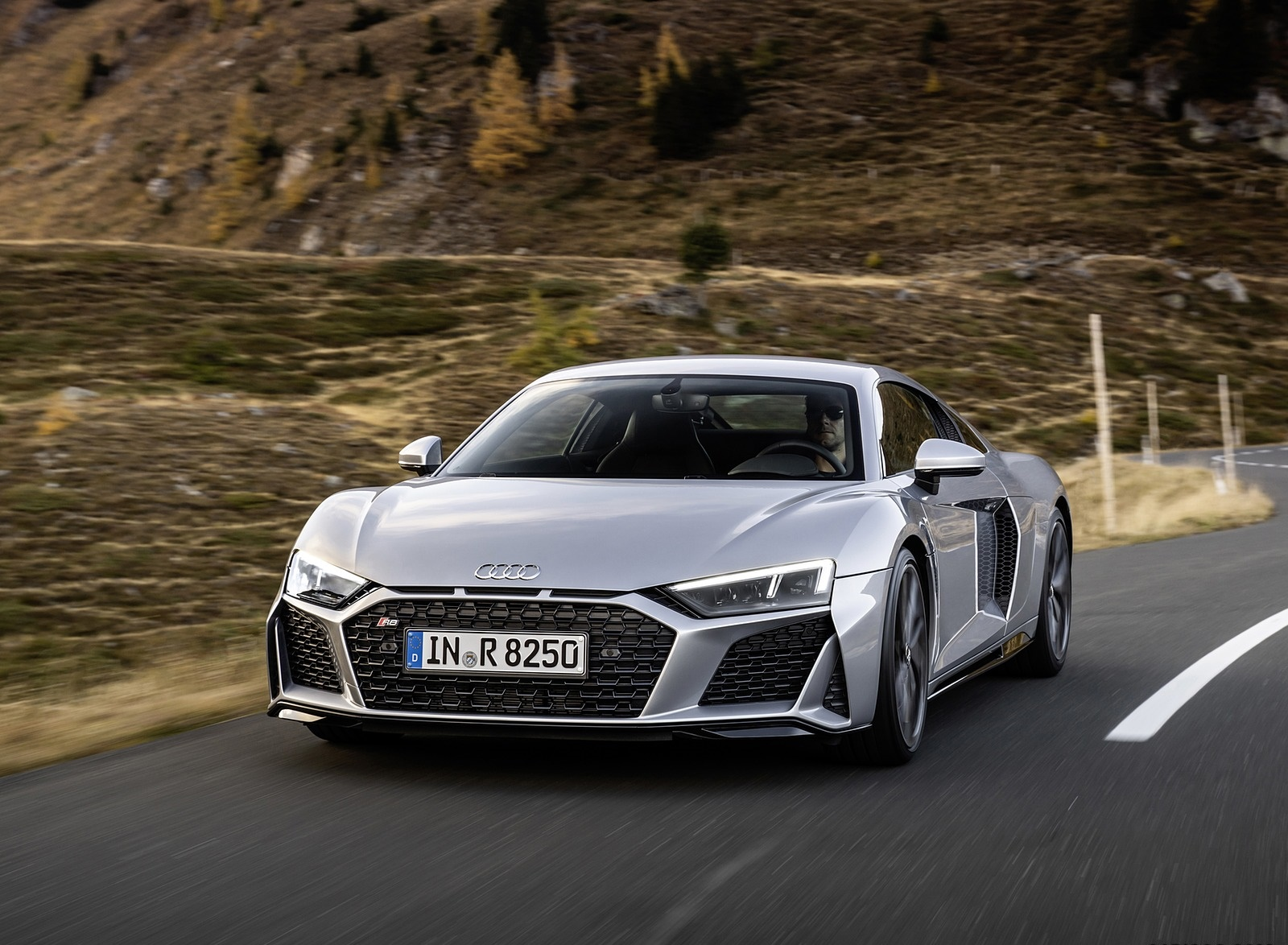 2020 Audi R8 V10 RWD Coupe (Color: Florett Silver) Front Wallpapers (5)