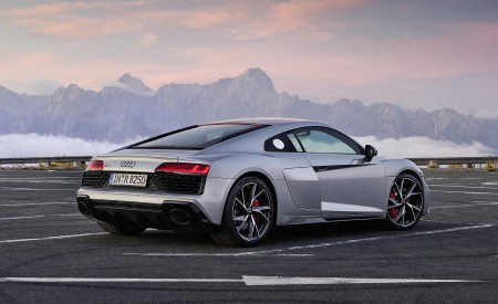 2020 Audi R8 V10 RWD Coupe (Color: Florett Silver) Rear Three-Quarter Wallpapers 450x275 (16)