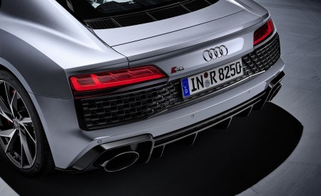 2020 Audi R8 V10 RWD Coupe (Color: Florett Silver) Tail Light Wallpapers 450x275 (28)