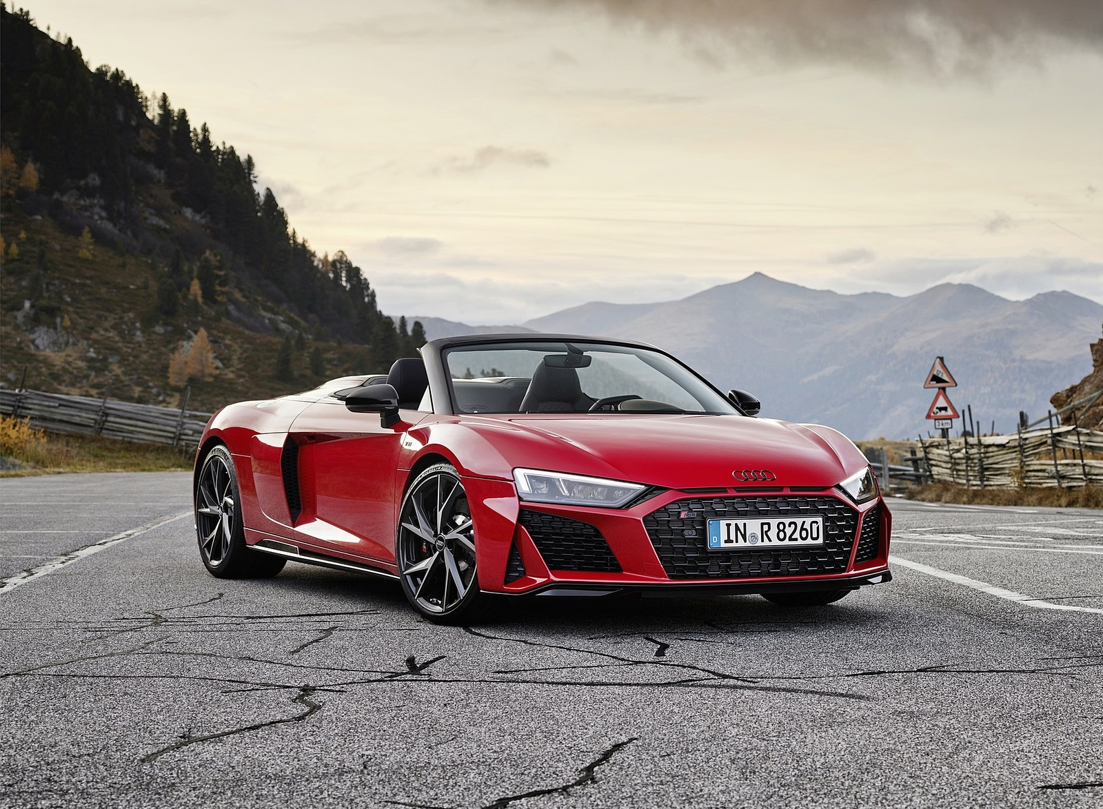 2020 Audi R8 V10 RWD Spyder (Color: Tango Red) Front Three-Quarter Wallpapers (10)
