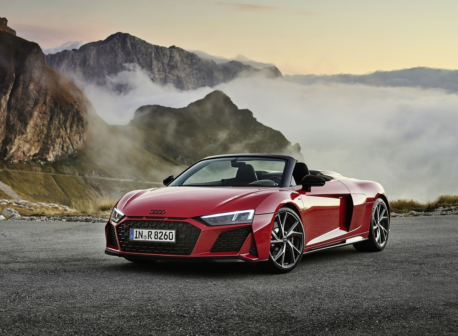 2020 Audi R8 V10 RWD Spyder (Color: Tango Red) Front Three-Quarter Wallpapers (8)