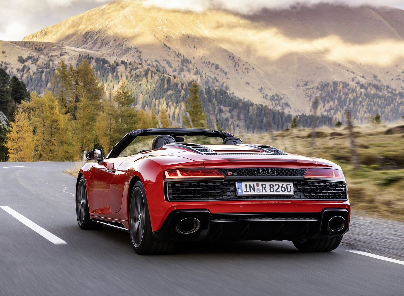 2020 Audi R8 V10 RWD Spyder (Color: Tango Red) Rear Three-Quarter Wallpapers (4)