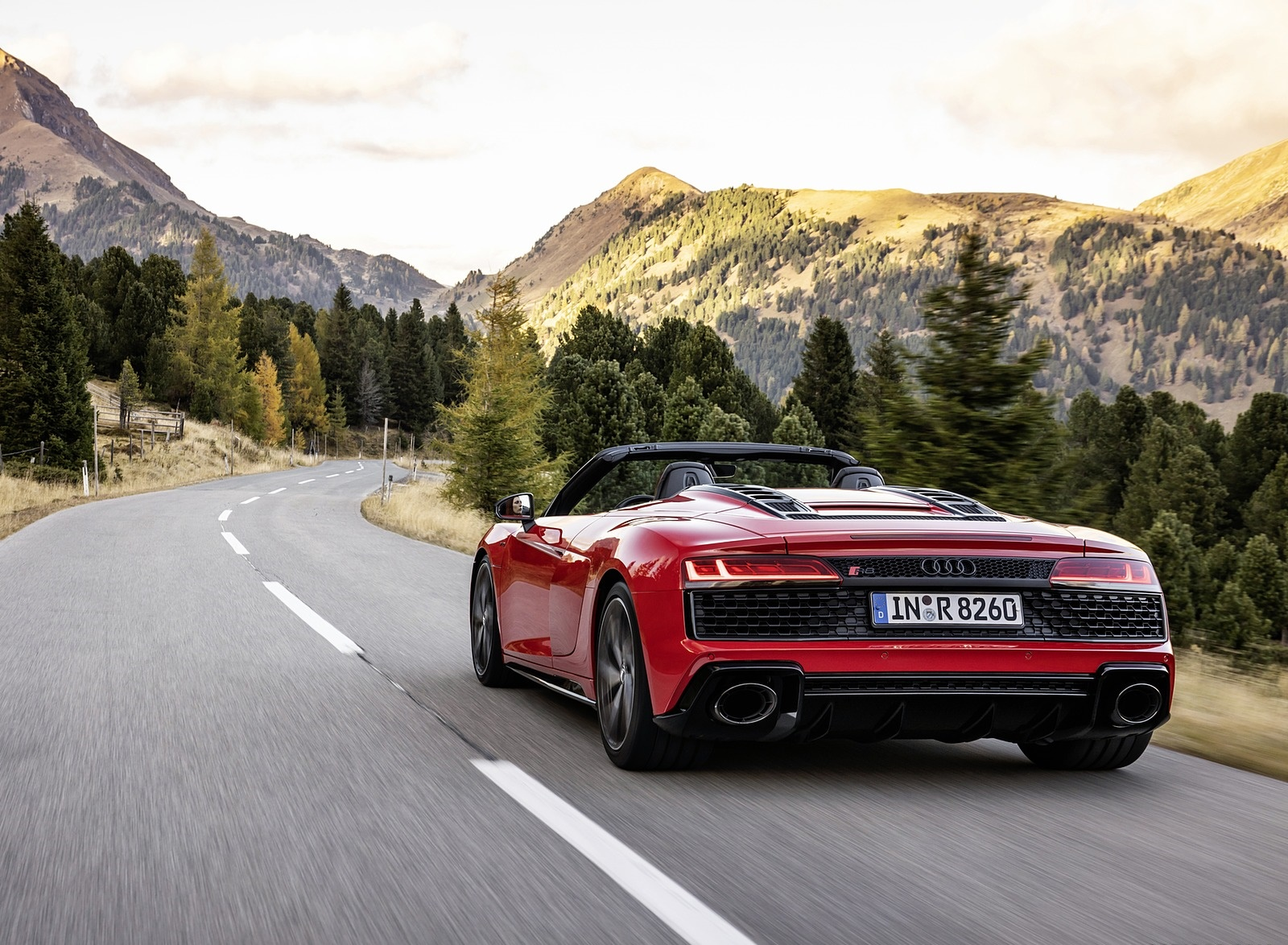2020 Audi R8 V10 RWD Spyder (Color: Tango Red) Rear Three-Quarter Wallpapers (5)