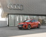 2020 Audi e-tron Sportback (Color: Catalunya Red) Front Three-Quarter Wallpapers 150x120 (8)
