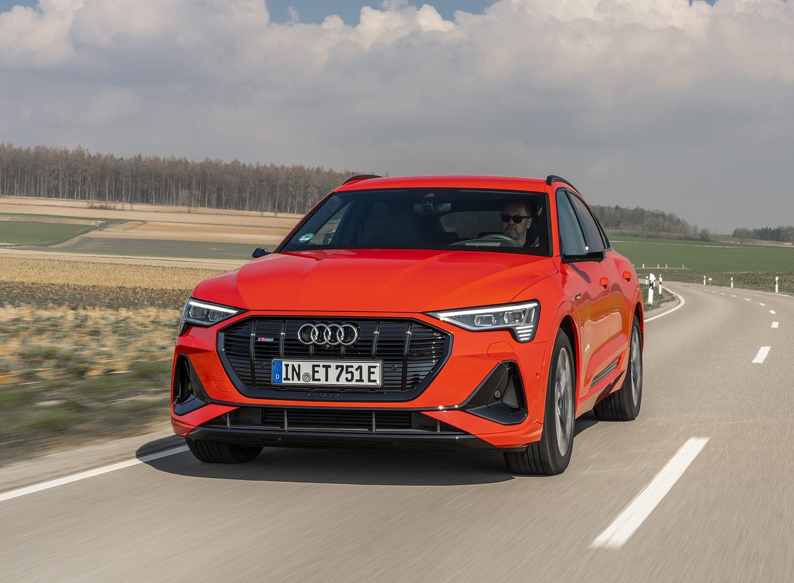 2020 Audi e-tron Sportback (Color: Catalunya Red) Front Wallpapers (1)