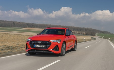2020 Audi e-tron Sportback (Color: Catalunya Red) Front Wallpapers 450x275 (2)