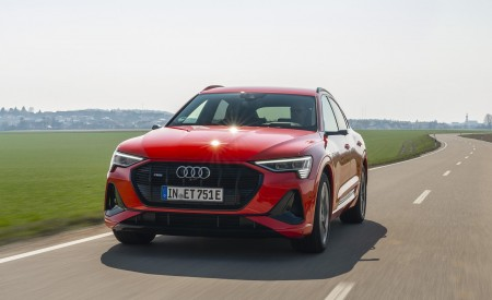 2020 Audi e-tron Sportback (Color: Catalunya Red) Front Wallpapers 450x275 (3)