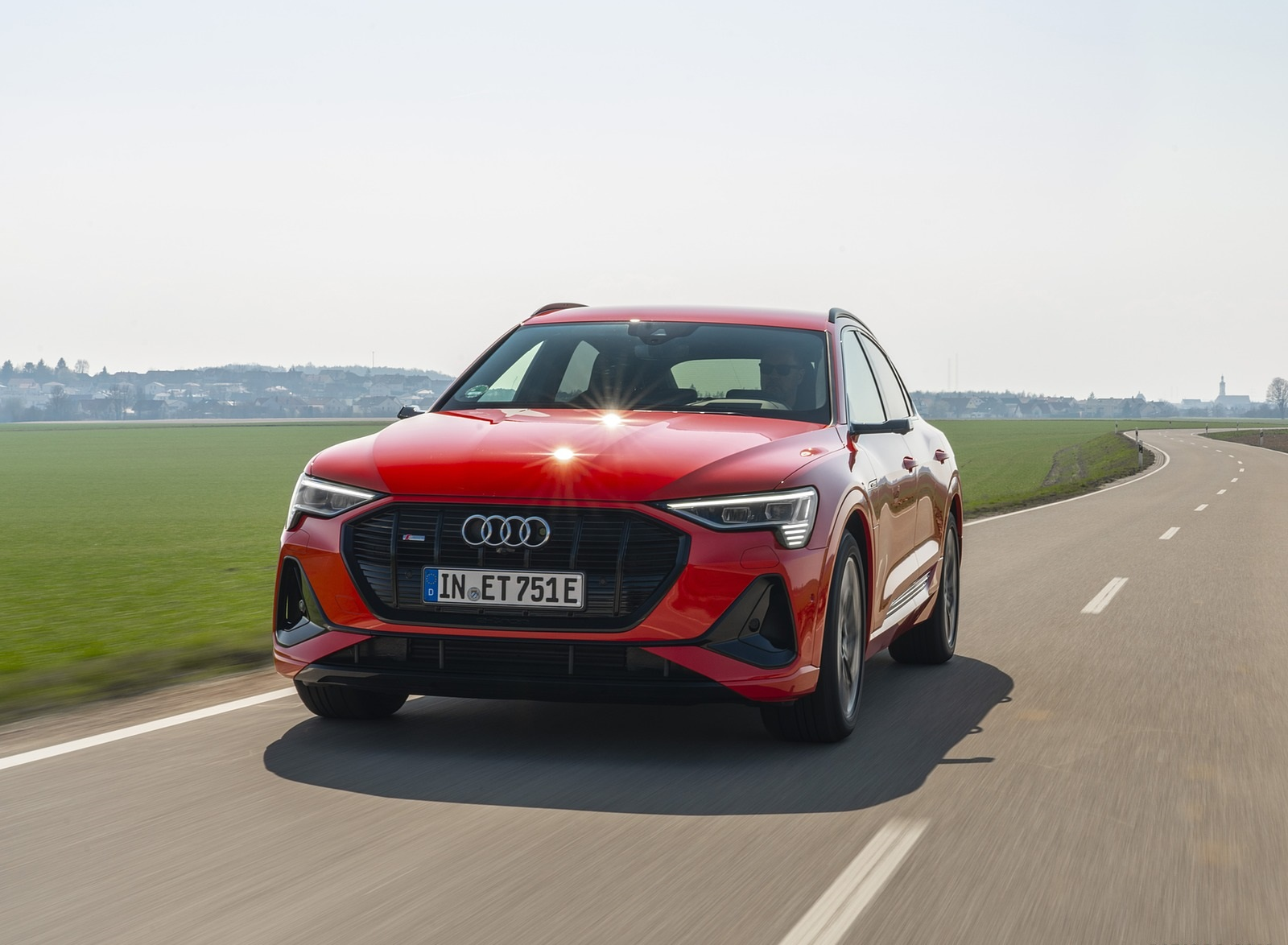 2020 Audi e-tron Sportback (Color: Catalunya Red) Front Wallpapers (3)