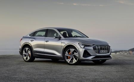 2020 Audi e-tron Sportback (Color: Florett Silver) Front Three-Quarter Wallpapers 450x275 (60)
