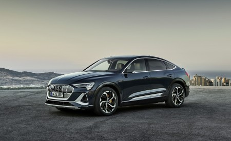 2020 Audi e-tron Sportback (Color: Plasma Blue) Front Three-Quarter Wallpapers 450x275 (44)