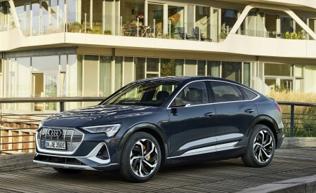 2020 Audi e-tron Sportback (Color: Plasma Blue) Front Three-Quarter Wallpapers 450x275 (46)