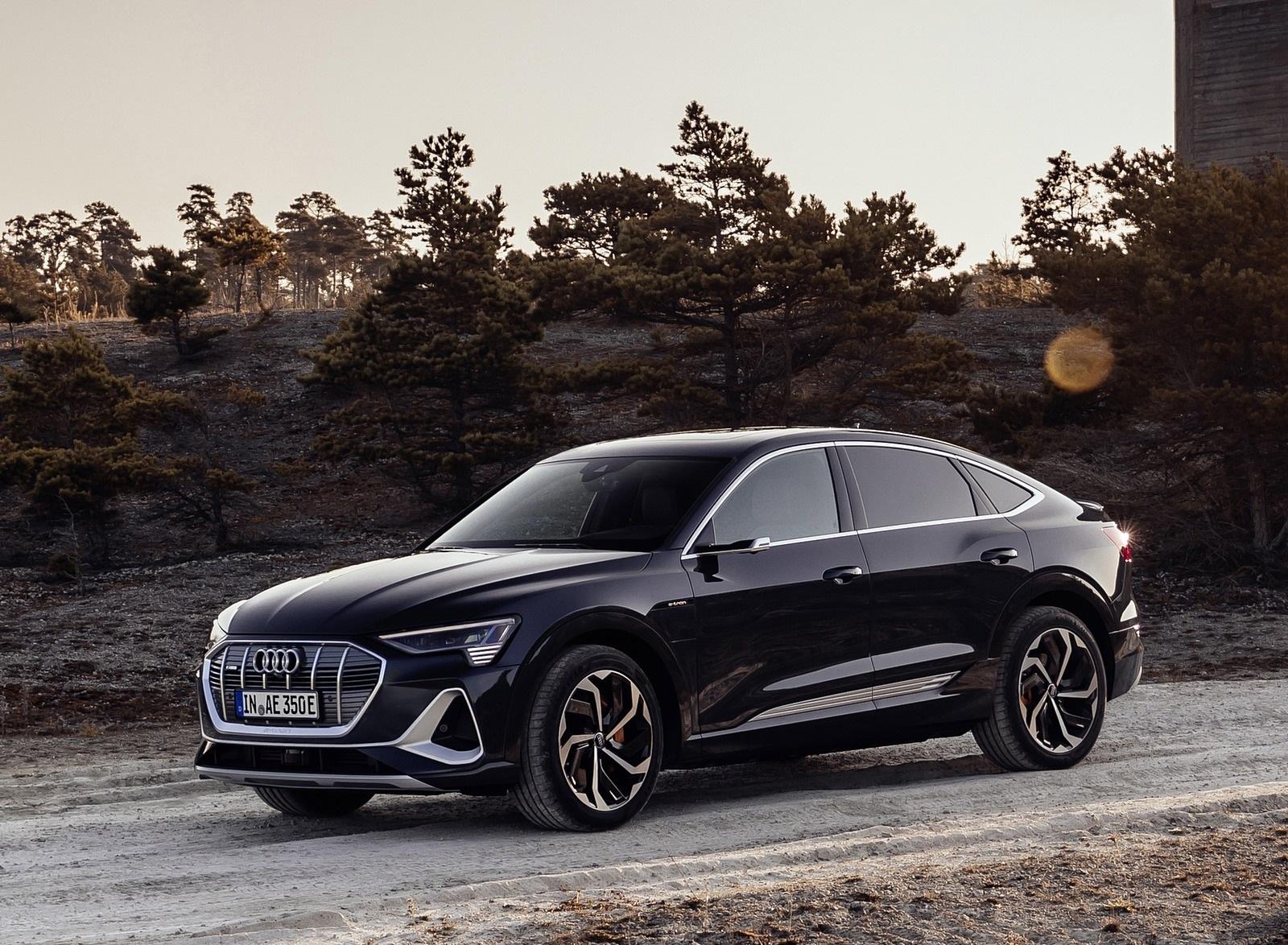 2020 Audi e-tron Sportback (Color: Plasma Blue) Front Three-Quarter Wallpapers (1)