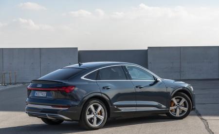 2020 Audi e-tron Sportback (Color: Plasma Blue) Rear Three-Quarter Wallpapers 450x275 (26)