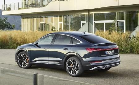 2020 Audi e-tron Sportback (Color: Plasma Blue) Rear Three-Quarter Wallpapers 450x275 (58)
