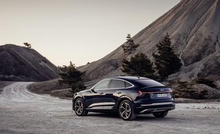 2020 Audi e-tron Sportback (Color: Plasma Blue) Rear Three-Quarter Wallpapers 450x275 (51)