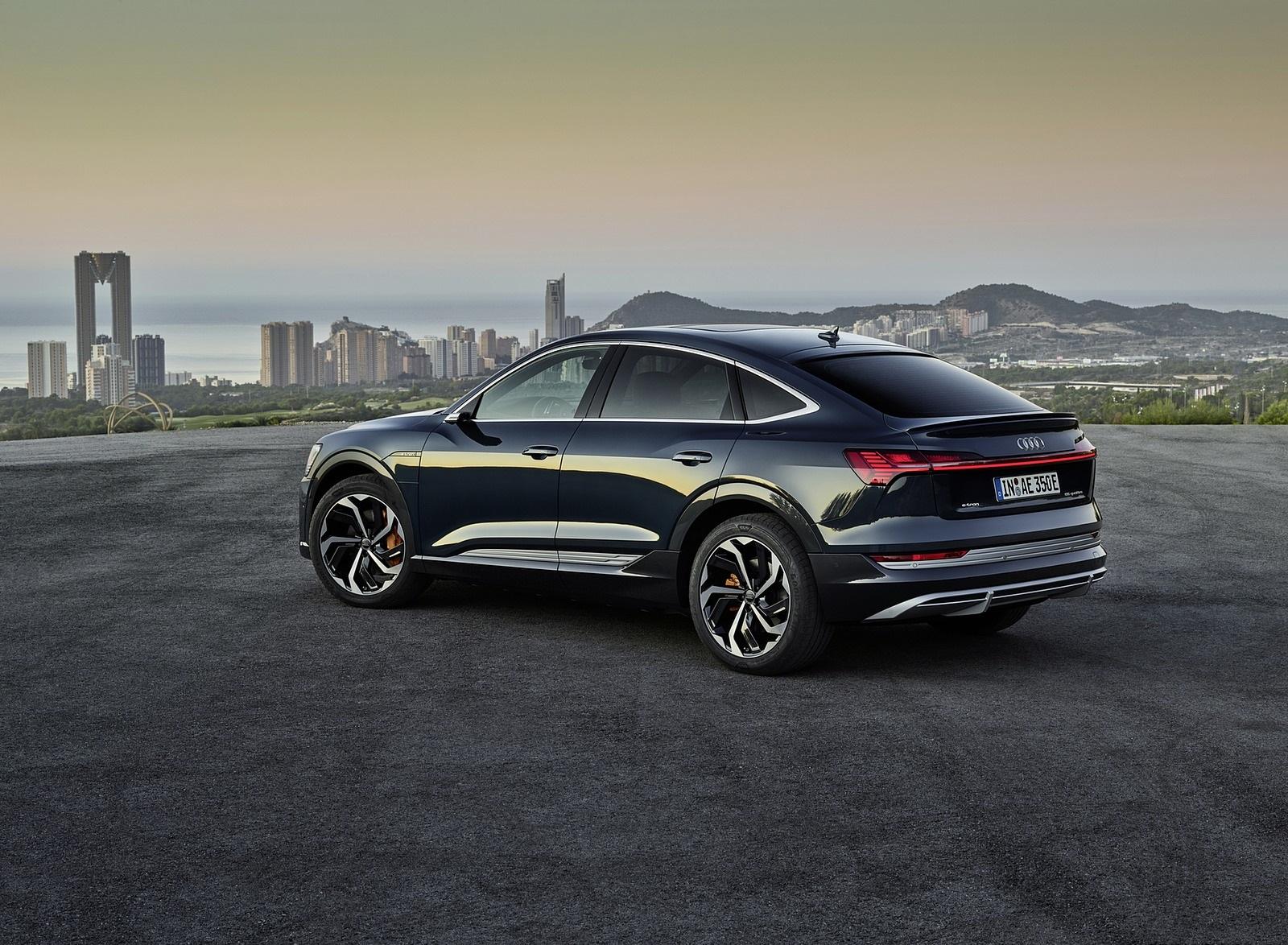 2020 Audi e-tron Sportback (Color: Plasma Blue) Rear Three-Quarter Wallpapers (10)