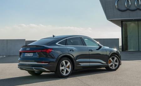 2020 Audi e-tron Sportback (Color: Plasma Blue) Rear Three-Quarter Wallpapers 450x275 (28)