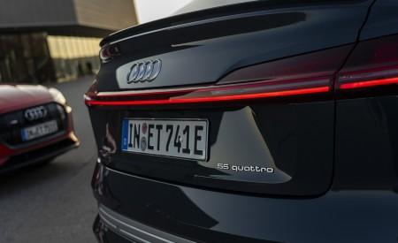 2020 Audi e-tron Sportback (Color: Plasma Blue) Tail Light Wallpapers 450x275 (29)