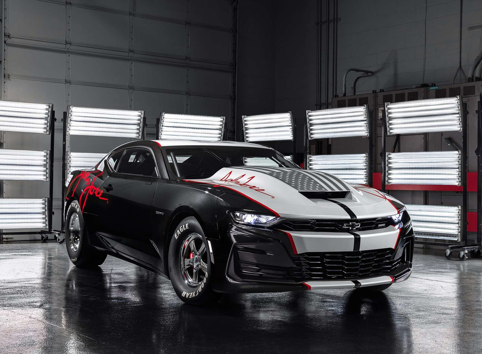 2020 Chevrolet COPO Camaro John Force Edition Front Three-Quarter Wallpapers (1)
