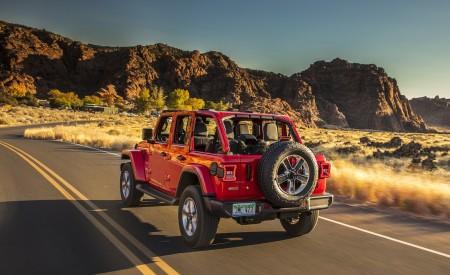 2020 Jeep Wrangler Sahara EcoDiesel Rear Three-Quarter Wallpapers 450x275 (89)