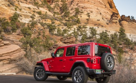 2020 Jeep Wrangler Sahara EcoDiesel Rear Three-Quarter Wallpapers 450x275 (117)