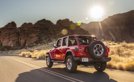 2020 Jeep Wrangler Sahara EcoDiesel Rear Three-Quarter Wallpapers 450x275 (90)
