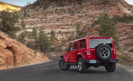 2020 Jeep Wrangler Sahara EcoDiesel Rear Three-Quarter Wallpapers 450x275 (118)