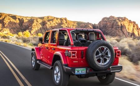 2020 Jeep Wrangler Sahara EcoDiesel Rear Three-Quarter Wallpapers 450x275 (92)