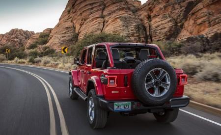 2020 Jeep Wrangler Sahara EcoDiesel Rear Three-Quarter Wallpapers 450x275 (93)
