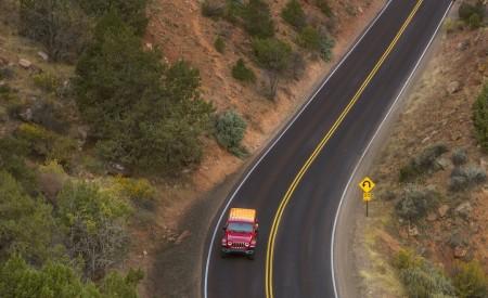2020 Jeep Wrangler Sahara EcoDiesel Top Wallpapers 450x275 (120)