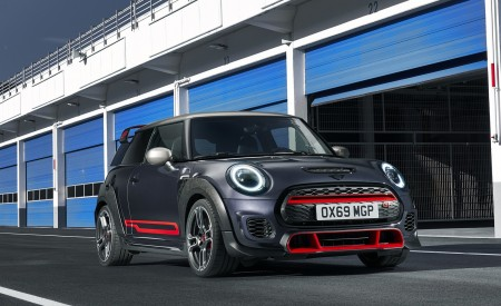 2020 MINI John Cooper Works GP Front Three-Quarter Wallpapers 450x275 (17)