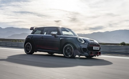 2020 MINI John Cooper Works GP Front Three-Quarter Wallpapers 450x275 (2)