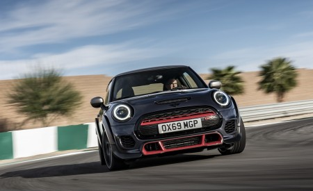2020 MINI John Cooper Works GP Front Wallpapers 450x275 (7)