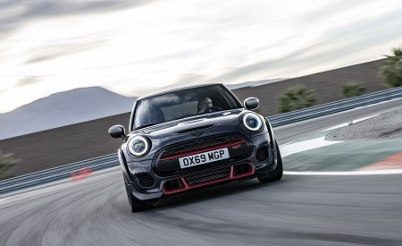 2020 MINI John Cooper Works GP Front Wallpapers 450x275 (10)