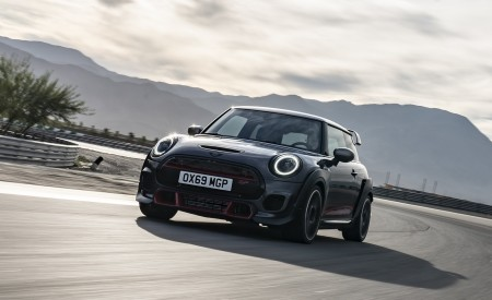 2020 MINI John Cooper Works GP Front Wallpapers 450x275 (11)