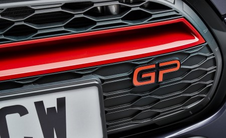 2020 MINI John Cooper Works GP Grill Wallpapers 450x275 (21)