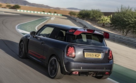 2020 MINI John Cooper Works GP Rear Three-Quarter Wallpapers 450x275 (13)