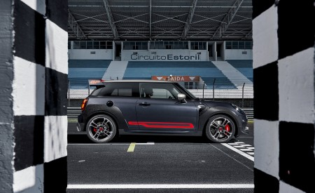 2020 MINI John Cooper Works GP Side Wallpapers 450x275 (15)