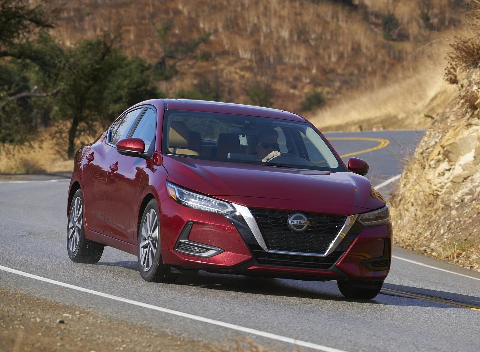 2020 Nissan Sentra Front Three-Quarter Wallpapers (1)