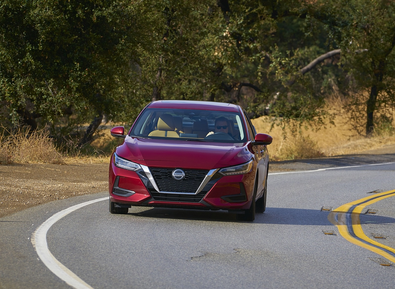 2020 Nissan Sentra Front Wallpapers (2)