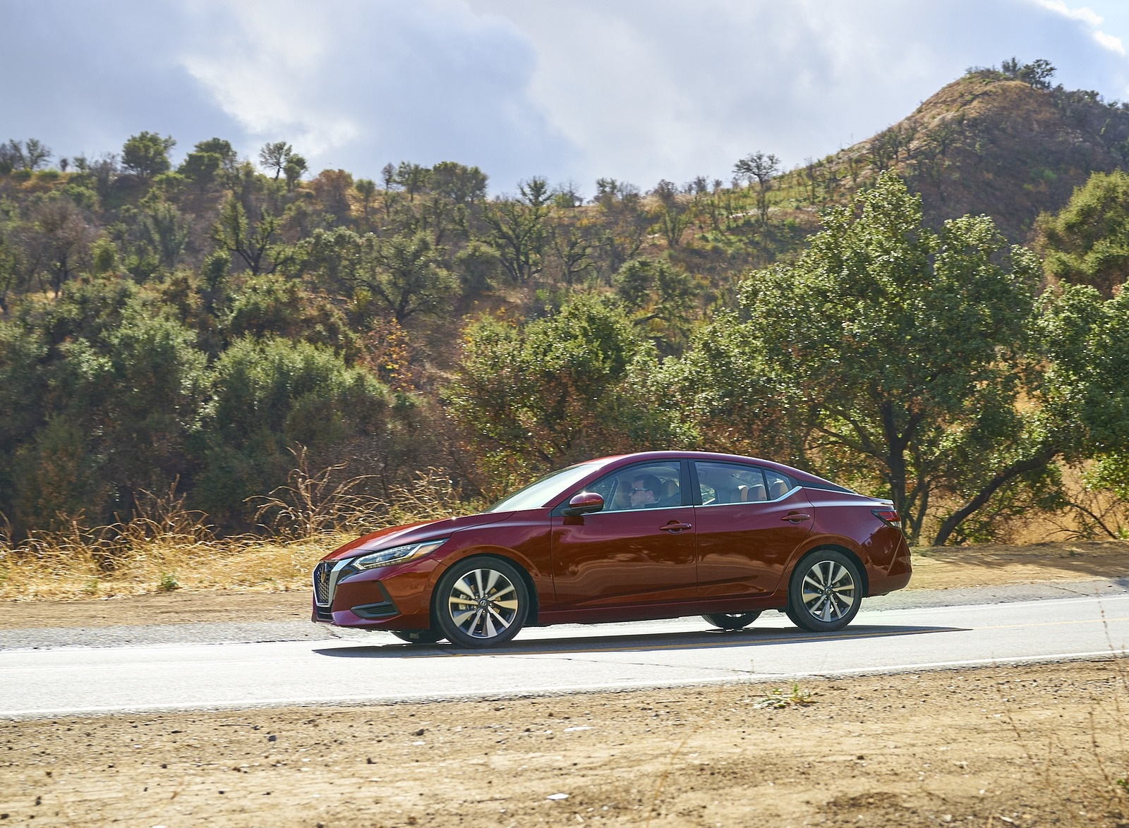 2020 Nissan Sentra Side Wallpapers (4)