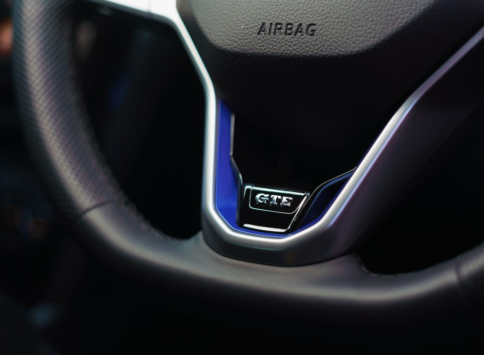 2020 Volkswagen Passat Gte Advance Estate Uk Spec Plug In Hybrid Interior Detail Wallpapers 22 Newcarcars