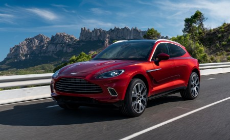 2021 Aston Martin DBX Front Three-Quarter Wallpapers 450x275 (1)