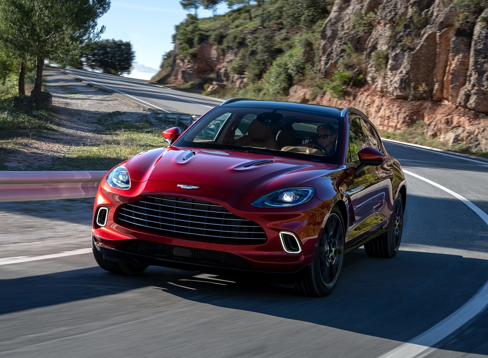 2021 Aston Martin DBX Front Three-Quarter Wallpapers (4)