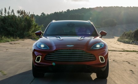 2021 Aston Martin DBX Front Wallpapers 450x275 (8)
