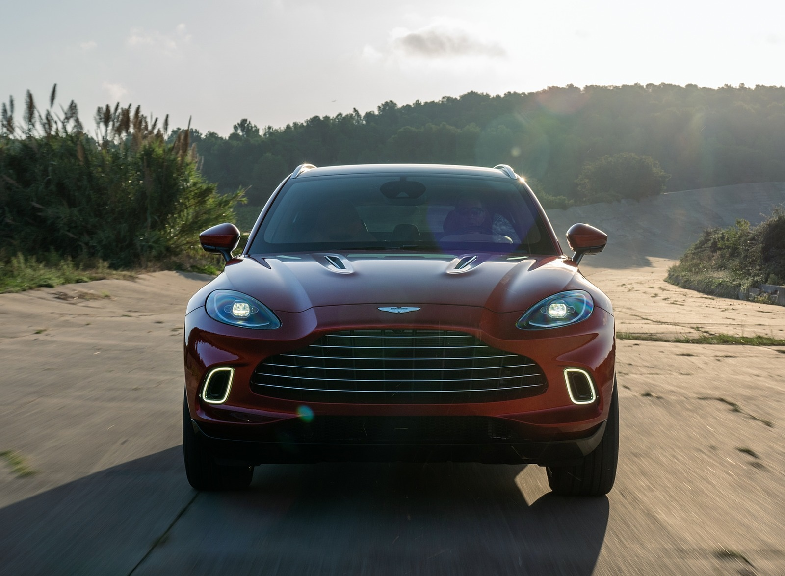 2021 Aston Martin DBX Front Wallpapers (8)