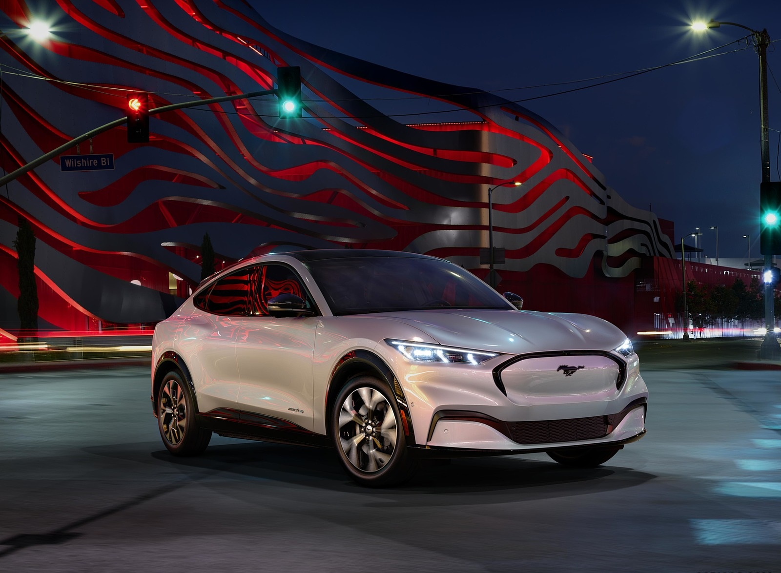 2021 Ford Mustang Mach-E Electric SUV Front Three-Quarter Wallpapers (4)