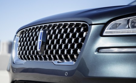 2021 Lincoln Corsair Grand Touring Plug-In Hybrd (Color: Flight Blue) Grill Wallpapers 450x275 (19)